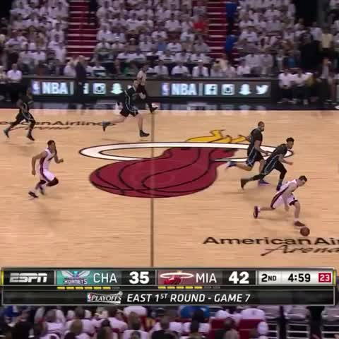 Vine by Bleacher Report - Dragic with the dirty spin move!