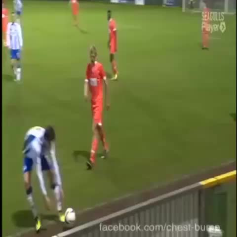 Vine by SoccerVines™ - This is just funny Go follow Soccer Moments™ and Galaxy Sports #Soccermoments8 #SpprtsMoments8 #GalaxySports #SoccerVines