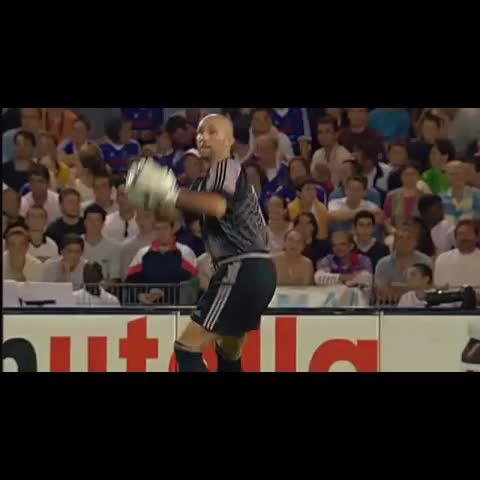 Zidane! - The Football Cafés post on Vine