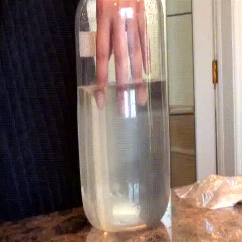 Chemical Reactionss post on Vine - Vine by Chemical Reactions - Hand in hot ice.