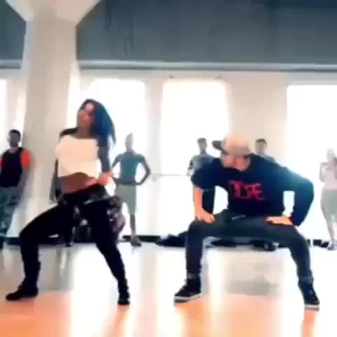 - Vine by Best Dancers<3