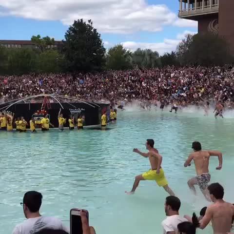 rob canaless post on Vine - Spirit Splash 2014 #UCFHC #ChargeOn UCF Knights - rob canaless post on Vine