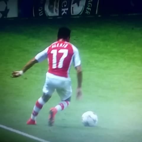 Conor Powers post on Vine - Red Card, anyone? #Melo #sanchez #Arsenal - Conor Powers post on Vine