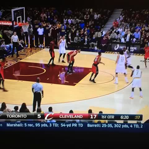 LeBrons behind the back bounce pass to Varejao! #cavs - Hoops in the Suns post on Vine