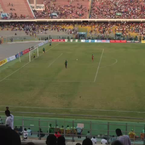 Vine by Accra Hearts Of Oak - Amos Frimpong wins it for Kotoko ..... 3-2 on penalties. Congrats to the 2016 PRESIDENTs CUP WINNERS #AHOSC 0-0 #PresCup