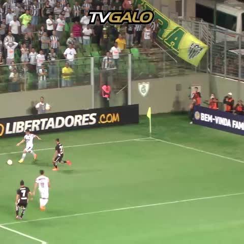 Vine by Atlético - Confira o golaço de Rafael Carioca. O segundo do #Galo no jogo. #GaloxCC