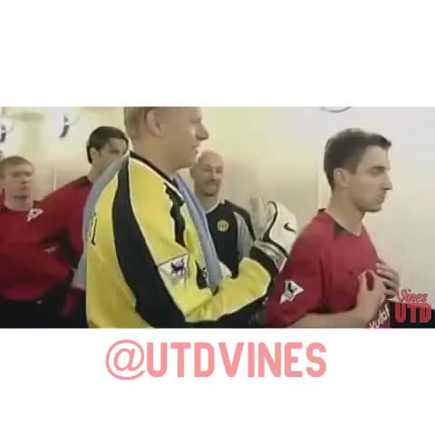 UtdViness post on Vine - Gary Neville wasnt a fan of Peter Schmeichels move to Manchester City! #MUFC - UtdViness post on Vine