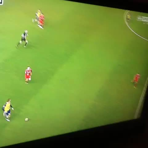 Vine by Arsenal Vines {1.5K}™ - Chambers makes Gerrard slip