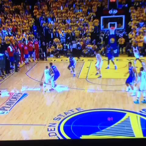 Curry hits another 3 on the Lee touch pass. - RealGMs post on Vine