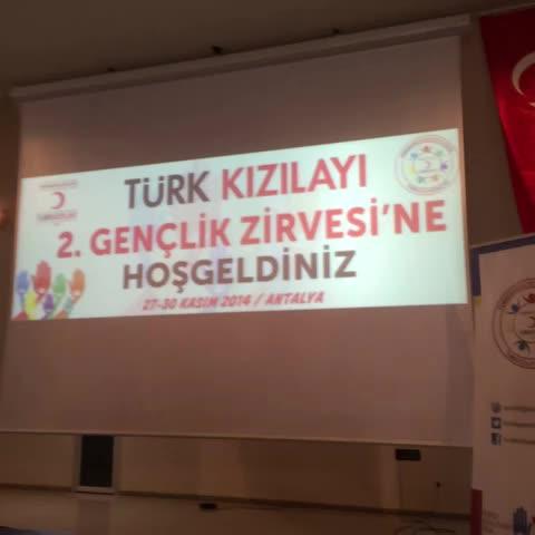 Türk Kızılayıs post on Vine - 2. Gençlik Zirvesi çoşkuyla başladı. #KızılayGençliğiZirvede - Türk Kızılayıs post on Vine