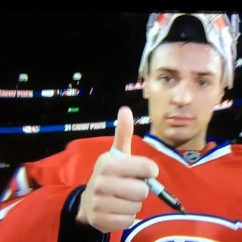 25stanleys post on Vine - Carey Price qui signe son autographe avec style. #Habs #rdsch - 25stanleys post on Vine