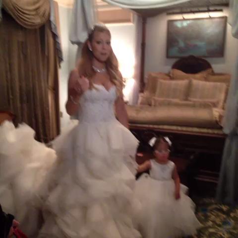 Wedding mariah carey nick cannon renew vows disneyland
