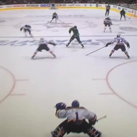 Vine by John Buccigross - FAKSA 2-1 Dallas late