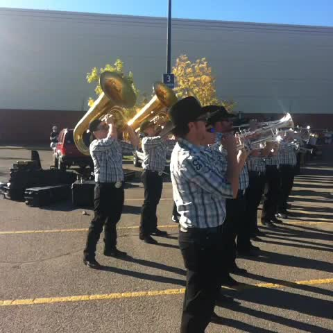 Ian Campbells post on Vine - .Calgary Stampede Outriders are rocking it @RMHSouthernAB #RocktheHouseRun #yyc - Ian Campbells post on Vine
