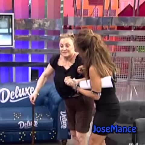 Vine by JoseMance - Yo cuando estoy pedo y mis amigos me llevan a casa #Vinealo #Salvame #Deluxe #SalvameDeluxe #Aramis #Fuster #AramisFuster #Dramaramis