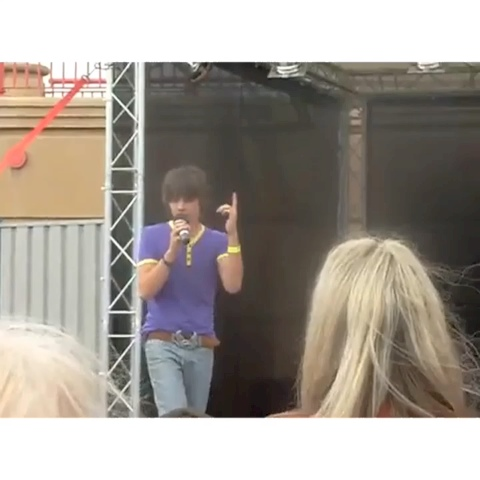 one direction videos ¨̮s post on Vine - Vine by one direction videos - fetus liam singing :)