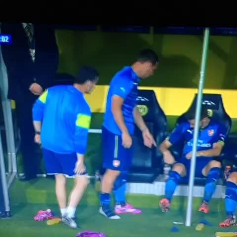 Samuel Luckhursts post on Vine - Podolski: so hopeless he cant find his shirt #afc - Samuel Luckhursts post on Vine