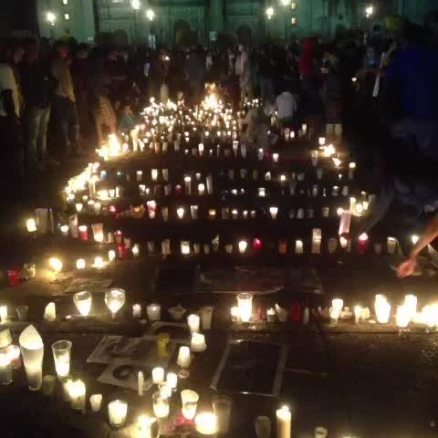 Velas en el Zócalo Zócalo de la ciudad de México #AyotzinapaSomosTodos #BringThemBackEPN #AccionGlobalAyotzinapa - EjeCentrals post on Vine