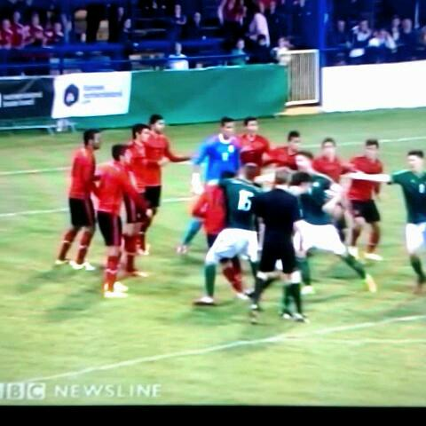 Bizarre scenes at tonights Milk Cup NI vs Mexico. A kick to the head! Balls.ie - Eoin Bradleys post on Vine