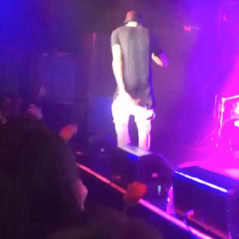 yellowdevilcbs post on Vine - #augustalsina passed out tonight performing in #nyc #prayforaugustalsina #concert #music #news #schmoneyDance #pray #TagsForLikes #KingBach - yellowdevilcbs post on Vine
