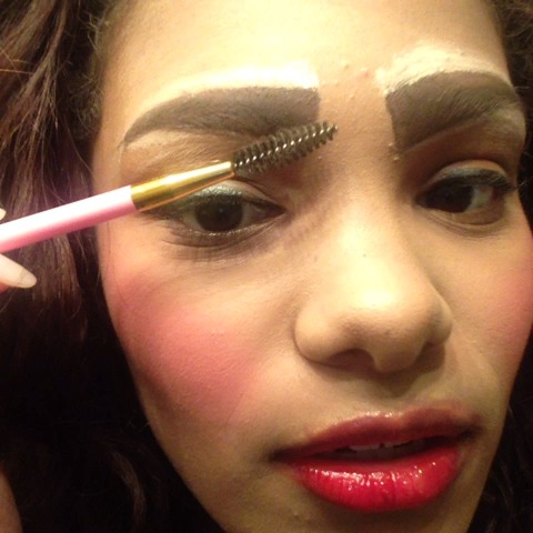 Thots eyebrow tutorials be like...... - Aisia & Tiannas post on Vine