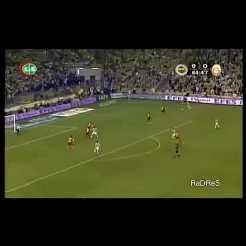Fenerists post on Vine - Vine by Fenerist - TARİHTE BUGÜN | 22 Mayıs 2005 | Fenerbahçe, Galatasarayı 1-0 yenerek Galatasarayın 100. yılında ŞAMPİYON oldu.