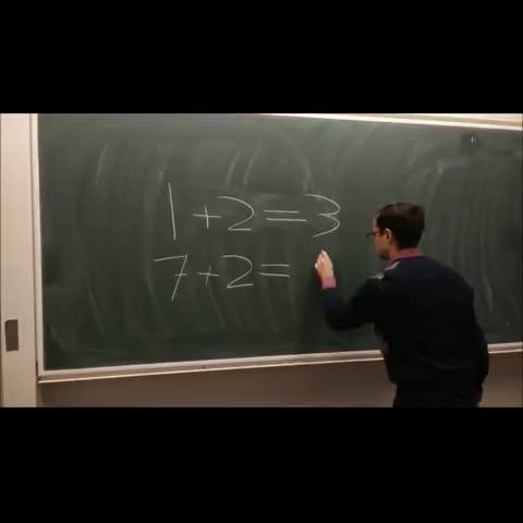 Cuando en clase de matemáticas de distraes durante un minuto.... - Vine by Follow @LoMejorDeVine_ on Twitte - Cuando en clase de matemáticas de distraes durante un minuto....