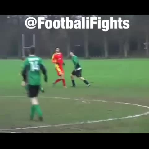 @FootbaliFightss post on Vine - Vine by @FootbaliFights - Youre not getting past me mate