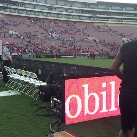 Vine by Chelsea FC - Checking out the Rose Bowl Stadium!