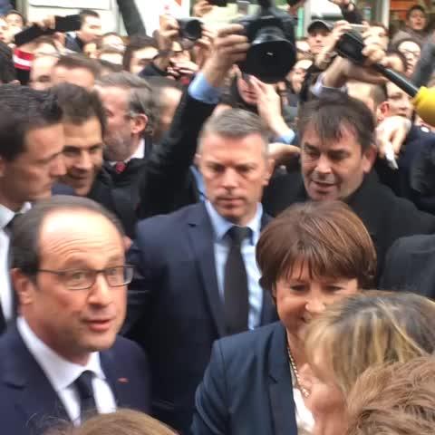 François Hollande et Martine Aubry rue Esquermoise à Lille - Eric Turpins post on Vine