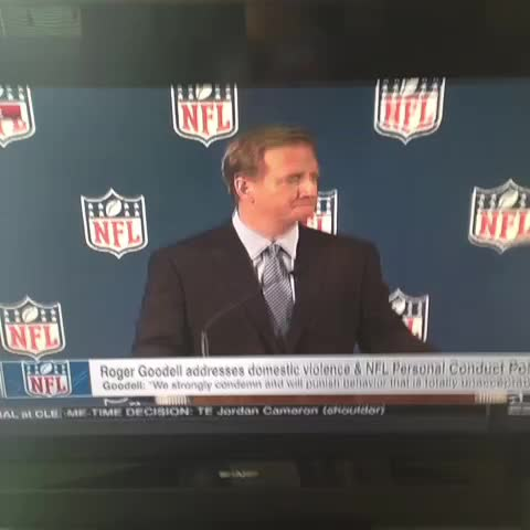 Here is a vine of the beginning of the panic attack at Goodells presser. - Farzin Vousoughians post on Vine