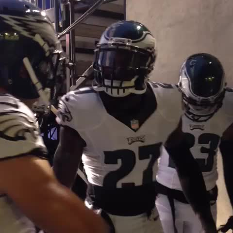 """Those bright lights are for US."" #FlyEaglesFly - Philadelphia Eagless post on Vine"