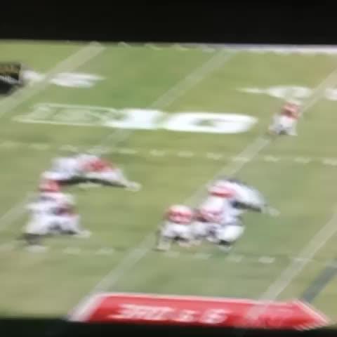 Anthony Slaters post on Vine - Crazy behind-the-back catch by Nebraska receiver - Anthony Slaters post on Vine
