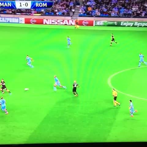 Immensamente Totti. ????❤️ #manchestercityroma #asroma #totti #forzaroma - Fabio!s post on Vine