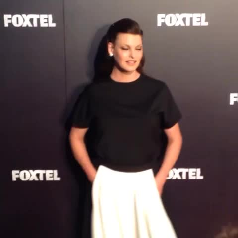 Linda Evangelista on the red carpet at the #Foxtel 2015 Upfront in Sydney tonight. Linda is joining @ausnexttopmodel next year