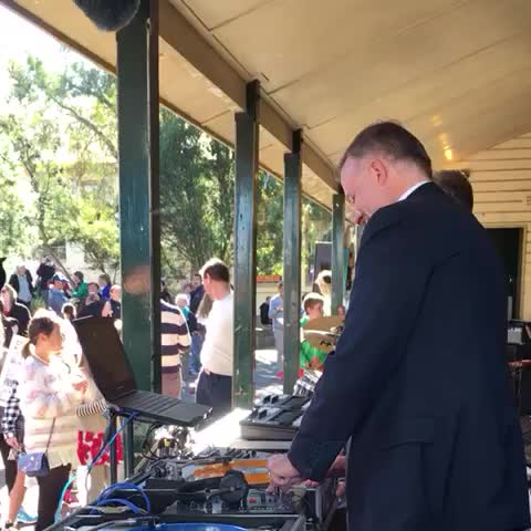 Vine by Josh Butler - Albanese DJing and dancing to Taylor Swift