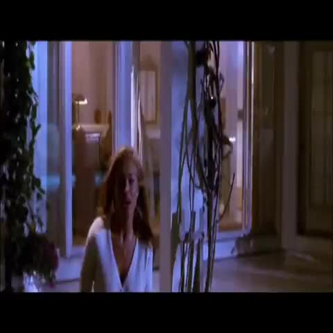Vine by Fonreloaded - Yo tomando decisiones en la vida #vinealo #vineiberico #scarymovie