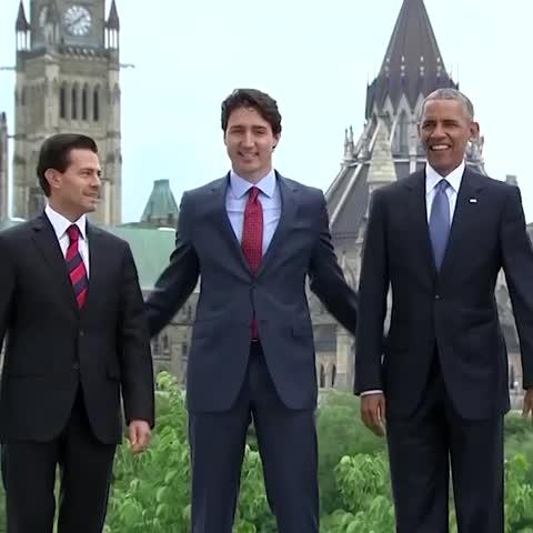 Vine by CNN Politics - North American leaders try a difficult 3-way handshake #awkward 🇲🇽🇨🇦🇺🇸 #politics #Obama #trudeau #nieto