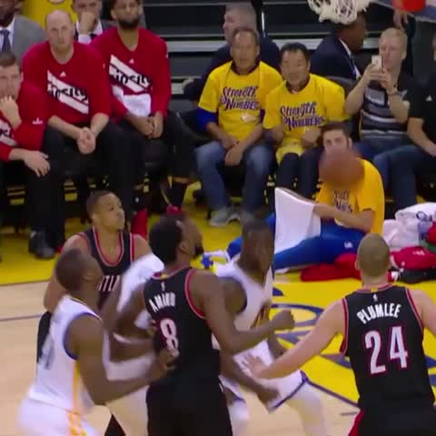 Vine by Bleacher Report - Draymond calling timeouts for the Blazers ????