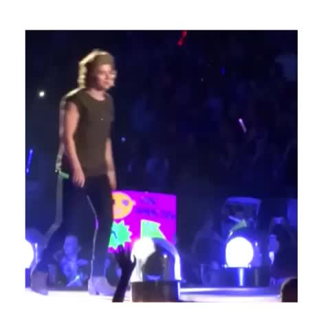 larry momentss post on Vine - Vine by louisandharry - soso cute 😌