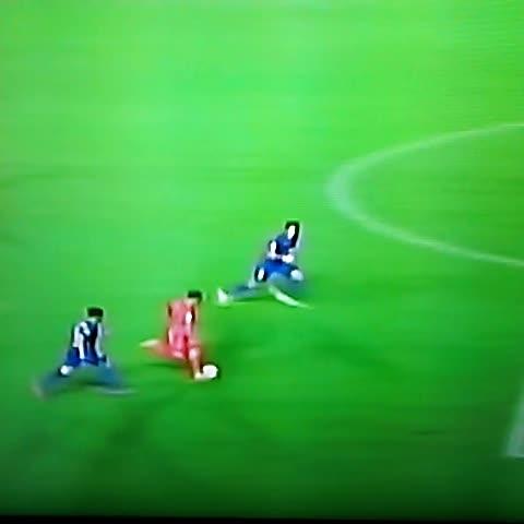 OTRA asistencia de Leo Messi para que ésta vez, Sandro, meta el tercero. - Sportags.coms post on Vine