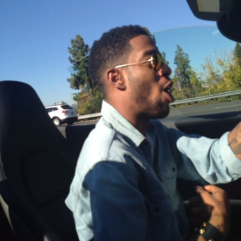 """KING CHIPs post on Vine - Vine by KING CHIP - """"Young and Having Money"""" my nigga CUDLIFE copped a new drop @ducidni 👑👑👑"""