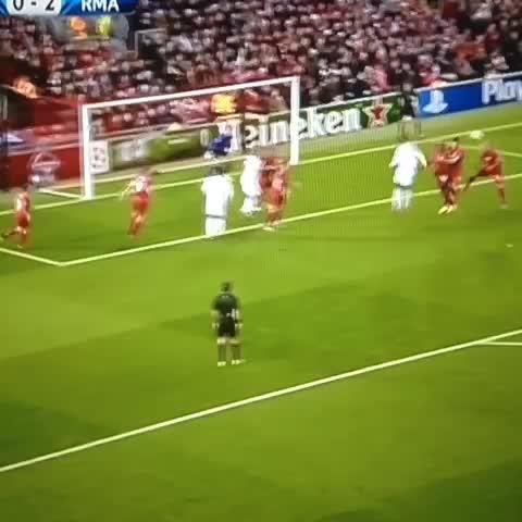 Segundo de Benzema!!0-3 en Anfield!! - Elminuto7.com / @elminuto7s post on Vine