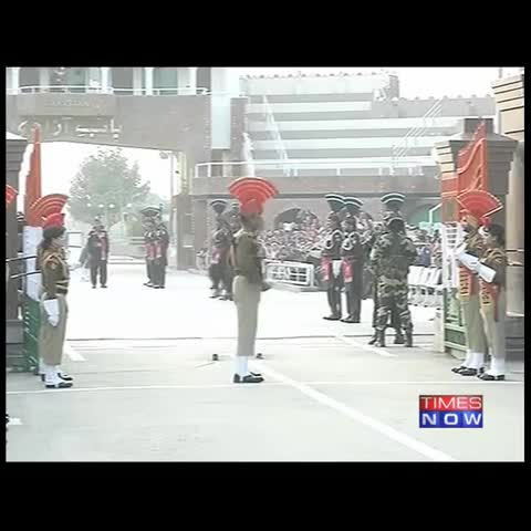 Vine by TIMES NOW - Show of strength at the Wagah Border. #RepublicDay #RDayWithObama
