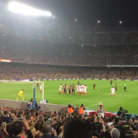 Jacobo Winograd Ⓜ️s post on Vine - Golazo de Messi, genio ídolo no paras de hacer historia gracias por tanto - Jacobo Winograd Ⓜ️s post on Vine