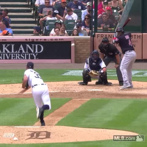 Vine by MLB - Four in one inning. Decent.