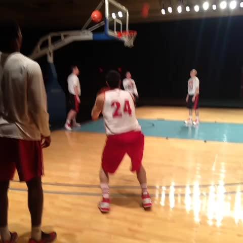 Wisconsin Basketballs post on Vine - 4 hours til tip-off... Lets get some shots up. - Wisconsin Basketballs post on Vine