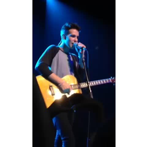#jacobwhitesides #OMGTour #omgmusicfest i love him so much. - bryxnnes post on Vine
