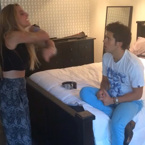 Music makes things easier w/ Lele Pons - Rudy Mancusos post on Vine