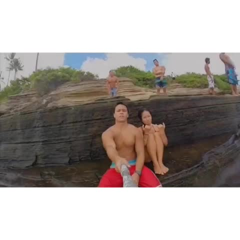 Funny vid on insta???? @nainoalanger #teamhawaii #hawaiivines #gopro #epicshit #selfie #hawaii #oahu #missions - Nainoa Langers post on Vine